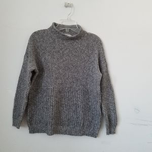 💜3/$25 American Eagle Outfitters Gray Sweater, M